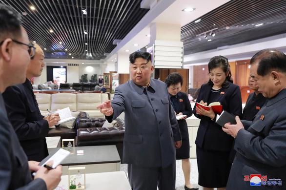 Nhìn nhận tình hình căng thẳng, ông Kim Jong Un chỉ đạo tự lực cánh sinh - Ảnh 2.