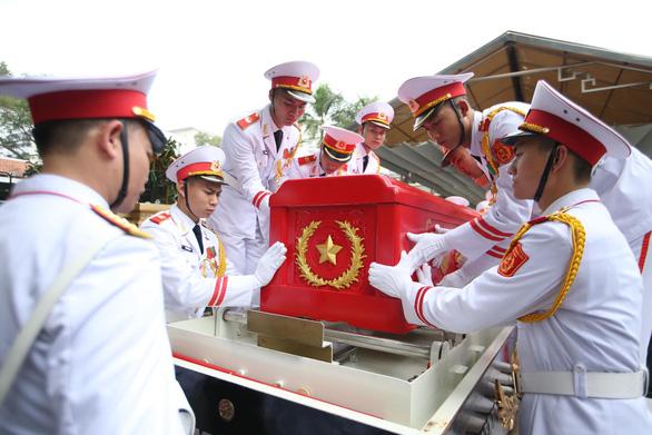 Tiễn đưa Trung tướng Đồng Sỹ Nguyên về đất mẹ - Ảnh 5.