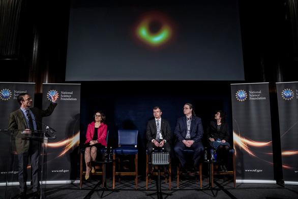 Đây, ảnh của một lỗ đen - Ảnh 4.
