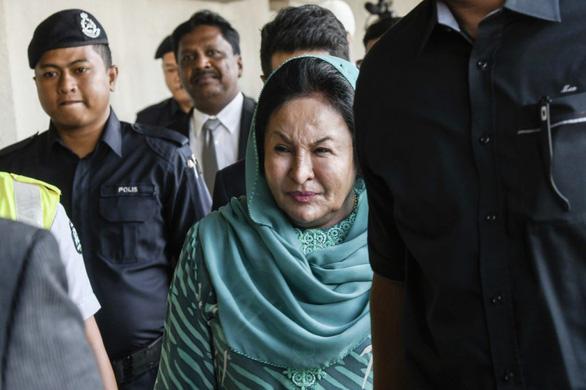 Bị buộc tội nhận hối lộ, vợ cựu Thủ tướng nói mình bị vu khống - Ảnh 1.