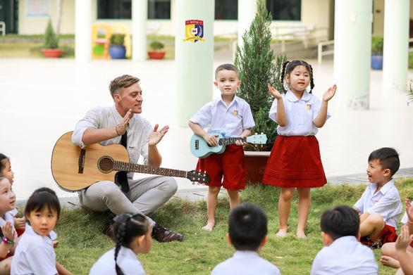 HUTECH Education giới thiệu Trường liên cấp song ngữ Quốc tế Hoàng Gia - Ảnh 3.