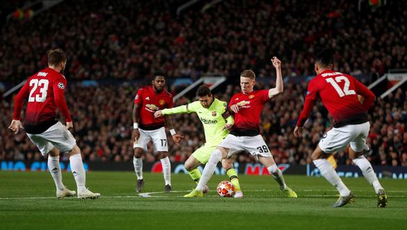 Messi không nằm trong tính toán của Sir Alex - Ảnh 2.