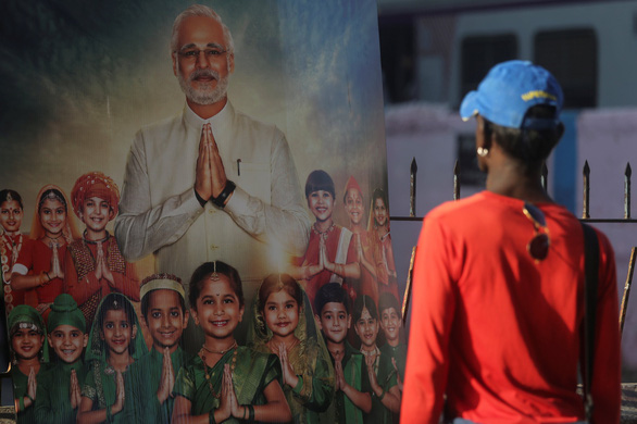 Ấn Độ cấm chiếu phim về tiểu sử Thủ tướng Modi trước bầu cử - Ảnh 1.