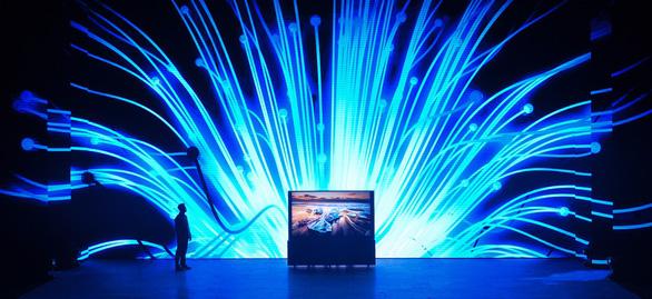 Samsung ra mắt tivi QLED 8K đầu tiên trên thế giới - Ảnh 1.
