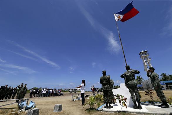 Vì sao ông Duterte đổi giọng về Biển Đông? - Ảnh 1.