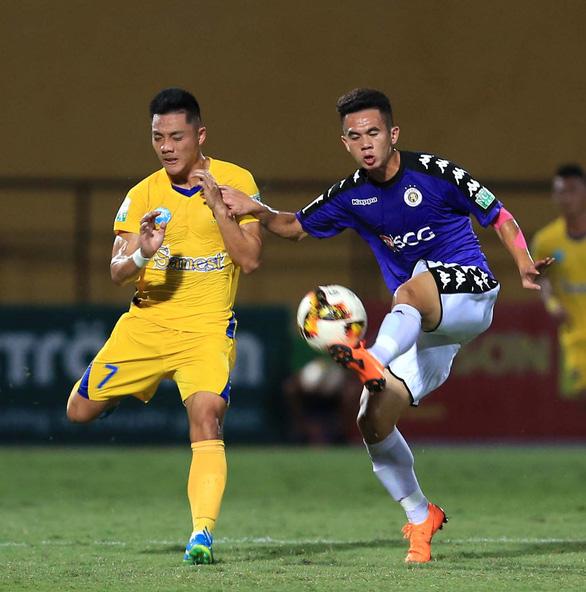 Bị Sanna Khánh Hòa cầm chân, CLB Hà Nội mất ngôi nhất bảng - Ảnh 1.