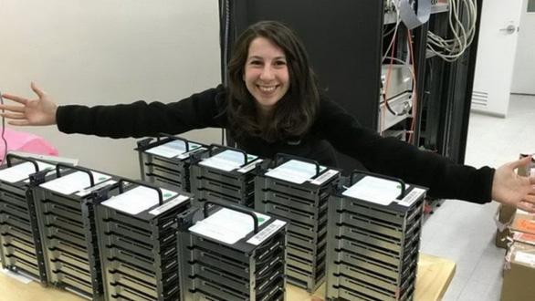 Chân dung nữ kỹ sư 29 tuổi góp công tạo bức ảnh hố đen vũ trụ - Ảnh 4.