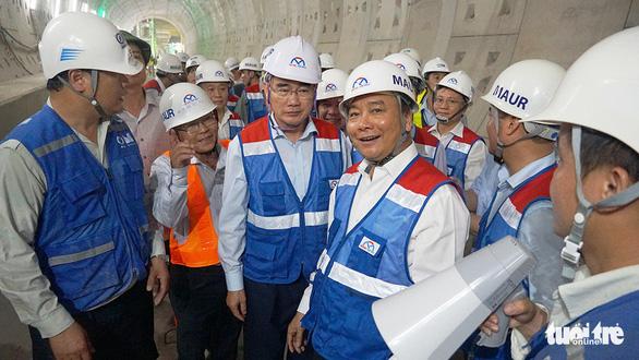Thủ tướng: Phải hoàn thành dự án metro số 1 cuối năm 2020 - Ảnh 1.
