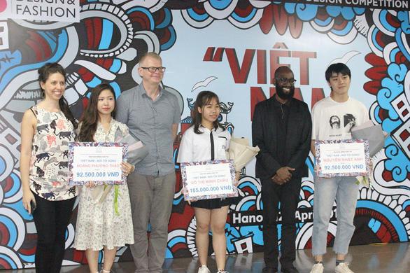 'Gói' Sài Gòn trên xích lô, cô gái mồ côi thắng giải gần 200 triệu đồng - Ảnh 4.