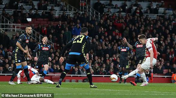 Đá bại Napoli 2-0, Arsenal chiếm ưu thế lớn - Ảnh 2.