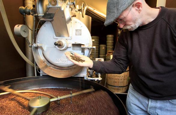 Thụy Sĩ ngưng giải cứu cà phê vì không ích gì cho dinh dưỡng - Ảnh 1.
