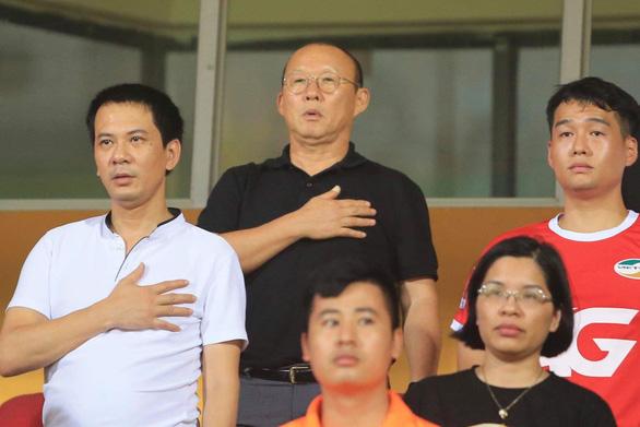 Trung vệ Bùi Tiến Dũng ghi bàn giúp Viettel đá bại Nam Định - Ảnh 4.