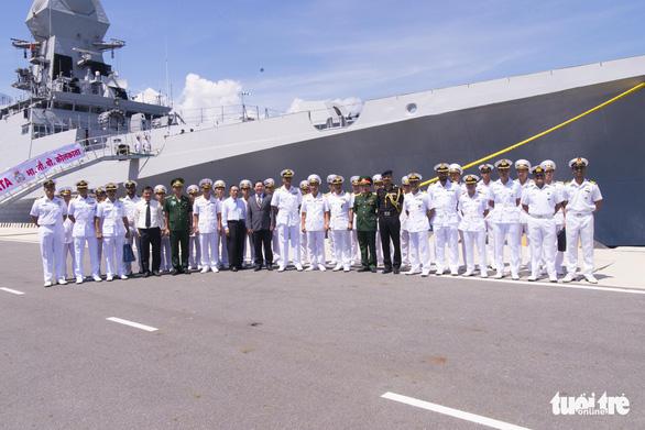 Hai tàu hải quân và 735 sĩ quan, thủy thủ Ấn Độ thăm Khánh Hòa - Ảnh 3.