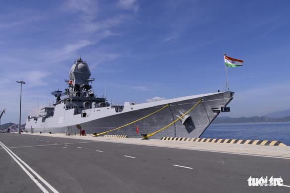 Hai tàu hải quân và 735 sĩ quan, thủy thủ Ấn Độ thăm Khánh Hòa - Ảnh 2.