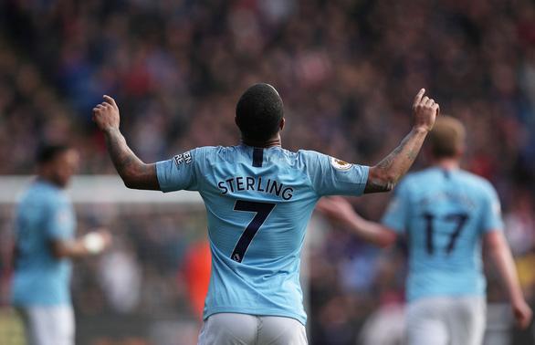Đá bại Crystal Palace, M.C gia tăng áp lực lên Liverpool - Ảnh 2.
