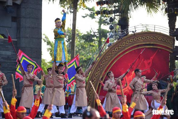 Hàng ngàn người dự lễ giỗ Tổ Hùng Vương ở TP.HCM - Ảnh 4.