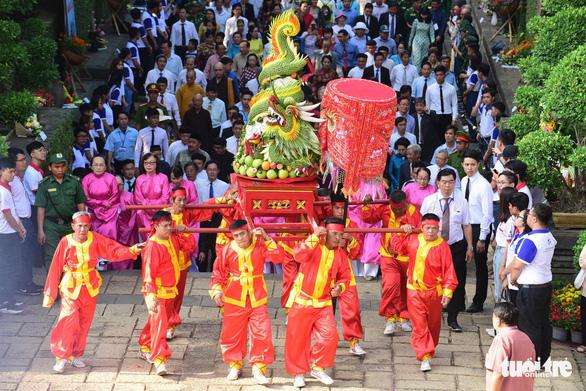 Hàng ngàn người dự lễ giỗ Tổ Hùng Vương ở TP.HCM - Ảnh 2.