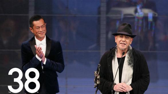 Huỳnh Thu Sinh hạ gục Châu Nhuận Phát giành giải Kim Tượng Hong Kong - Ảnh 3.