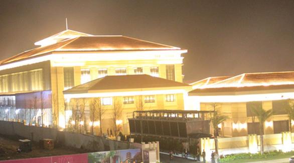 14 du khách Lào nhập viện nghi do ngộ độc thực phẩm ở Đà Nẵng - Ảnh 1.