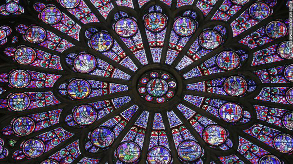 Cháy Nhà thờ Đức Bà Paris: cứu được một số tác phẩm nghệ thuật, cổ vật vô giá - Ảnh 3.