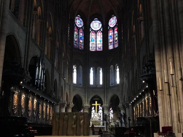 180 tấn chì của nhà thờ Đức Bà Paris sau hỏa hoạn đã bay đi đâu? - Ảnh 1.