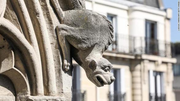 Nhà thờ Đức Bà Paris có các tác phẩm nghệ thuật nào? - Ảnh 7.