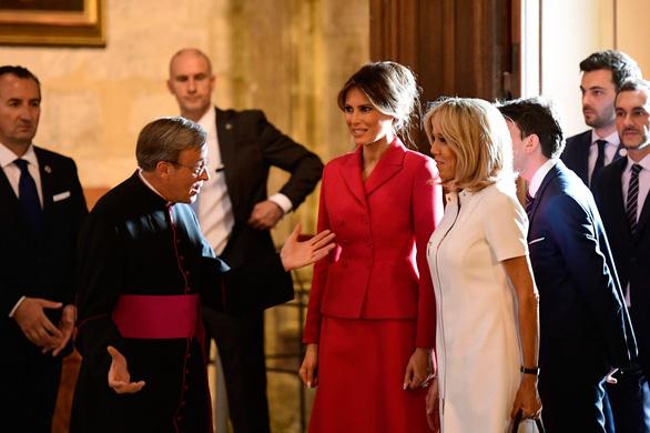 Bà Melania Trump trái tim tan vỡ khi Nhà thờ Đức Bà Paris cháy - Ảnh 2.