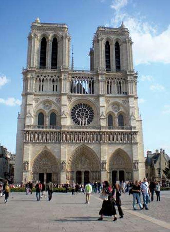 Những cột mốc khiến Nhà thờ Đức Bà Paris nổi tiếng - Ảnh 2.