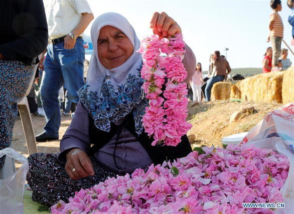 Thành phố thơm nức hương hoa hồng miền Địa Trung Hải - Ảnh 8.