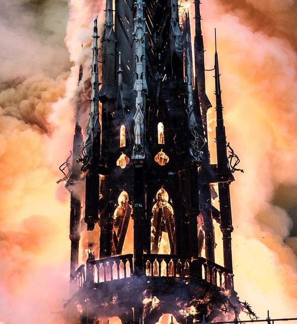 Nhà tiên tri Nostradamus dự báo vụ hỏa hoạn nhà thờ Đức Bà Paris? - Ảnh 1.