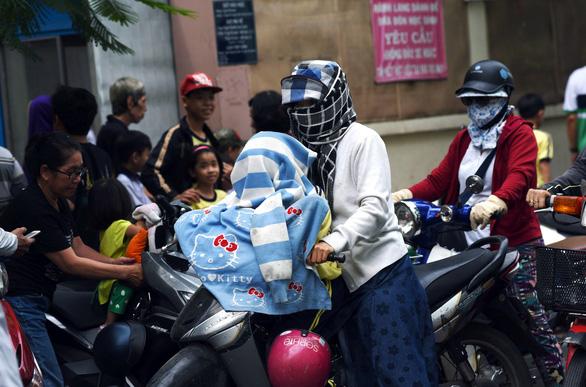 Làm sao để phòng bệnh ngày Sài Gòn nắng nóng? - Ảnh 2.