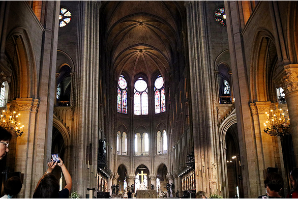 Nhà thờ Đức Bà Paris: Mỗi viên đá là một trang sử - Ảnh 1.