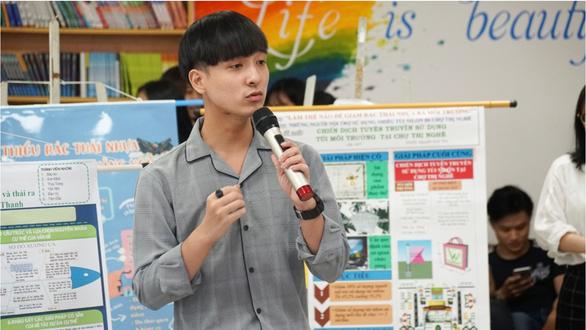 Sinh viên thực hành giảm thiểu rác thải nhựa - Ảnh 2.
