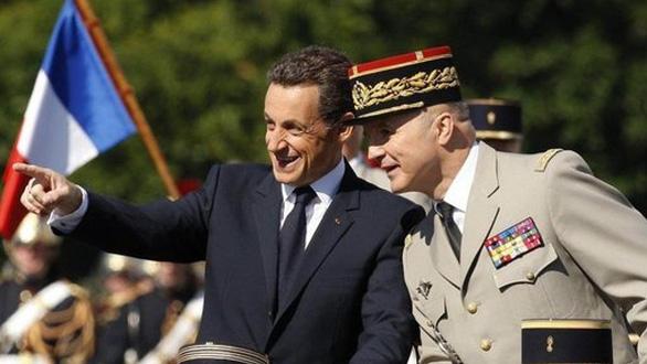 Tướng về hưu được mời trông coi phục dựng Nhà thờ Đức Bà Paris - Ảnh 3.