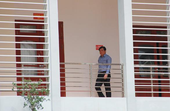Giám đốc Sở GD-ĐT Sơn La bị cách tất cả chức vụ trong Đảng - Ảnh 1.