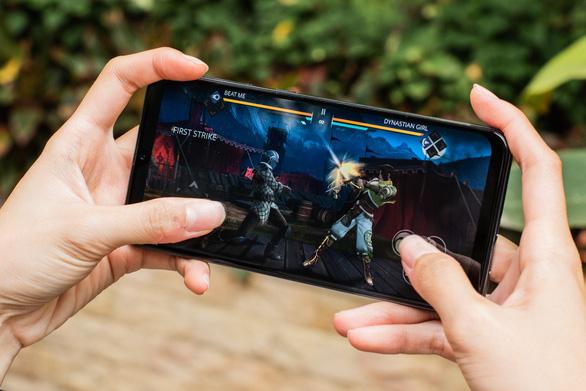 Galaxy A50 dẫn đầu làn sóng cao cấp hoá smartphone tầm trung - Ảnh 2.