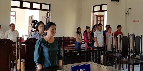 12 giáo viên thắng kiện, được bồi thường hơn 840 triệu đồng - Ảnh 1.