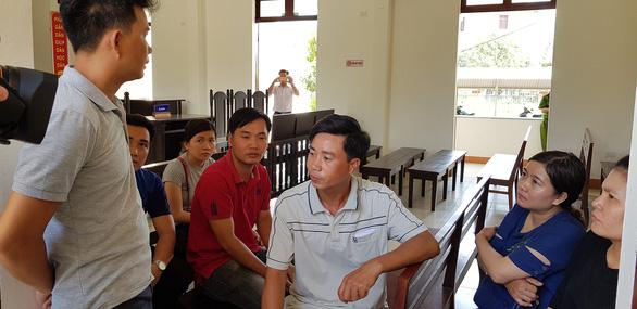 12 giáo viên thắng kiện, được bồi thường hơn 840 triệu đồng - Ảnh 3.