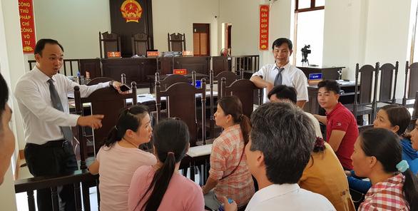 12 giáo viên thắng kiện, được bồi thường hơn 840 triệu đồng - Ảnh 2.