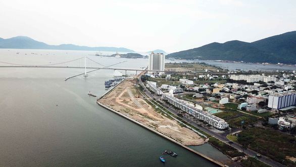 Lấn sông Hàn phân lô bán nền sẽ làm xói cầu Thuận Phước? - Ảnh 1.