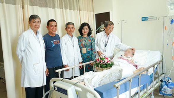 Cuộc đại phẫu 15 giờ cứu sống nữ bệnh nhân u não - Ảnh 4.