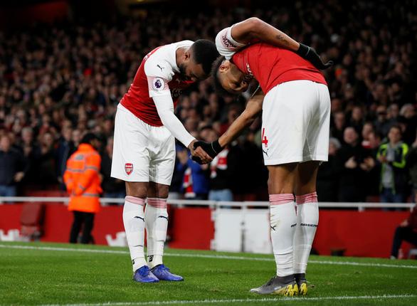 Bắn hạ chích chòe, Arsenal vươn lên xếp thứ 3 - Ảnh 1.
