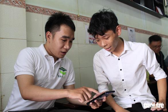 Tìm gia sư bằng ứng dụng công nghệ - Ảnh 1.