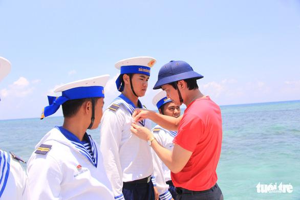 Cài ứng dụng Ereka thi trắc nghiệm về biển đảo Việt Nam - Ảnh 1.