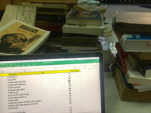Sách cũ bán online cũng 'hủy gạch', 'bùm hàng', chặn Facebook...