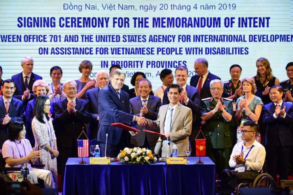 Mỹ cam kết hỗ trợ cải thiện cuộc sống người khuyết tật ở Việt Nam - Ảnh 1.