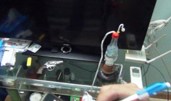 Cận cảnh Công an TP.HCM bắt hơn 1,1 tấn ma túy ngụy trang trong loa thùng - Ảnh 11.