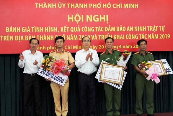 TP.HCM khen thưởng các đơn vị tham gia phá án 1,1 tấn ma túy - Ảnh 1.
