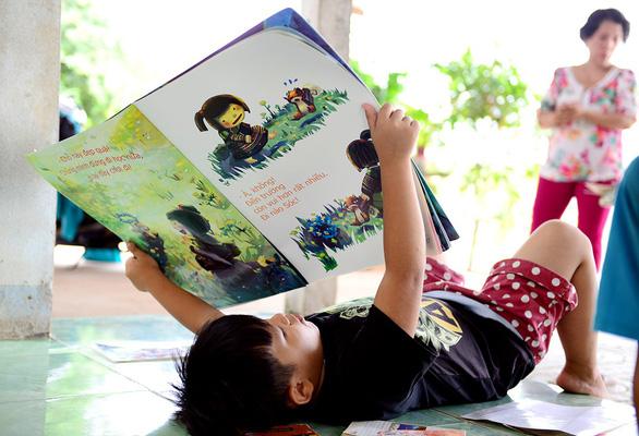 Nhà văn Nguyễn Nhật Ánh: Tôi mê đọc sách từ chuyện kể của bà - Ảnh 1.