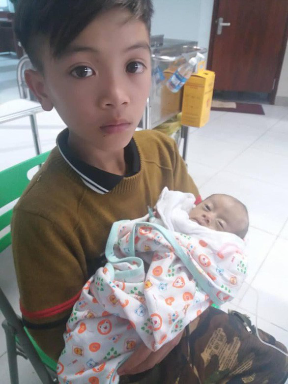 Em cậu bé đạp xe từ Sơn La về Hà Nội đã qua đời - Ảnh 1.